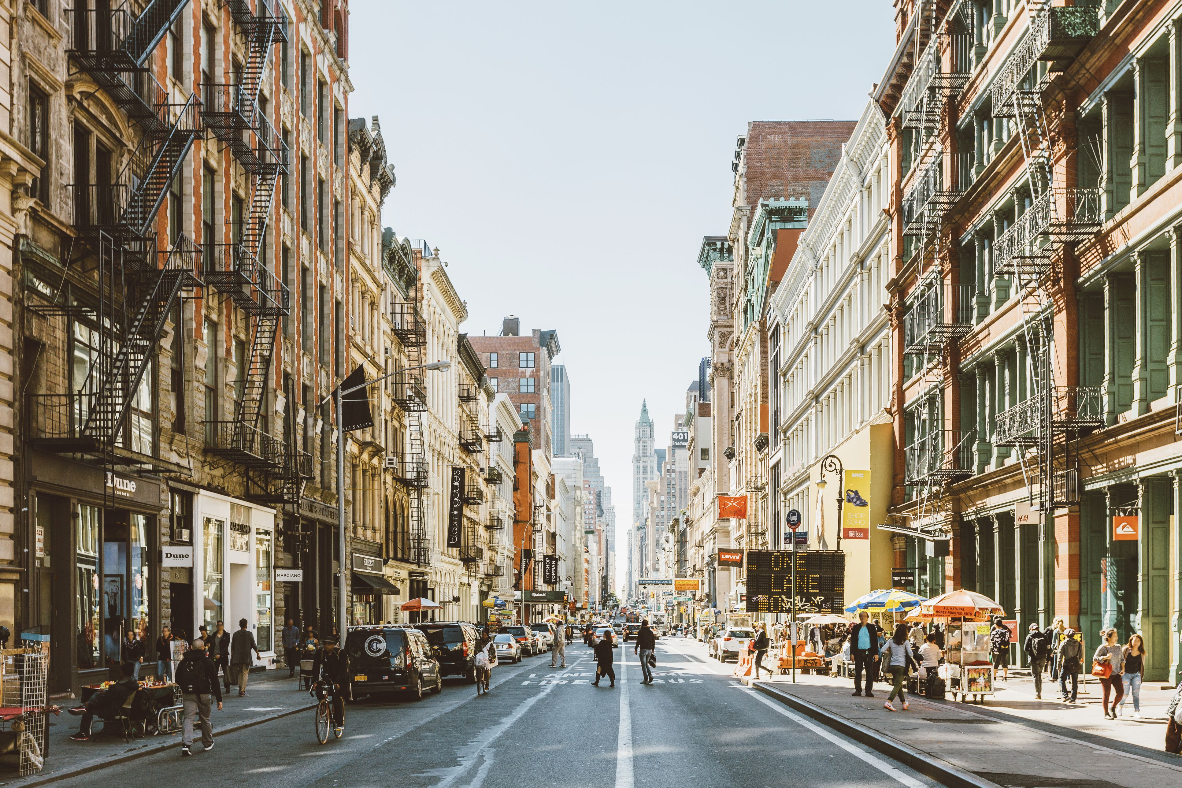 streets-of-soho-new-york-city-usa-520141660-59074a803df78c5456a3440b